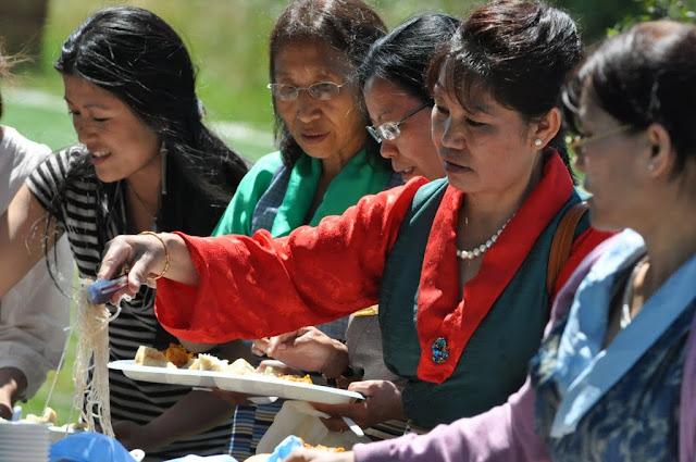 TAW celebrating H.H the Dalai Lama Bday at Magnuson Park 2011 - Trungkar--Magnuson%25252520park%25252520103.JPG