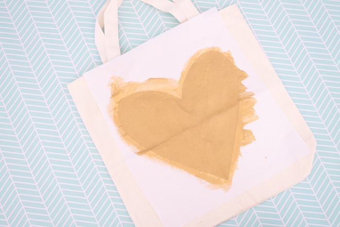 DIY gold heart tote bag (5)