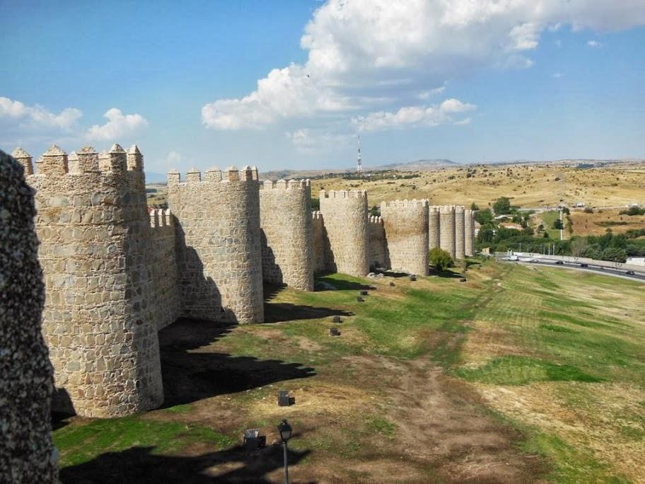 Parte externa de la Muralla de Ávila