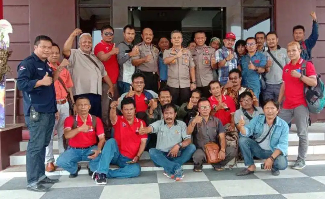 Kantor Inspektorat Kabupaten Probolinggo Digeruduk puluhan Jurnalis