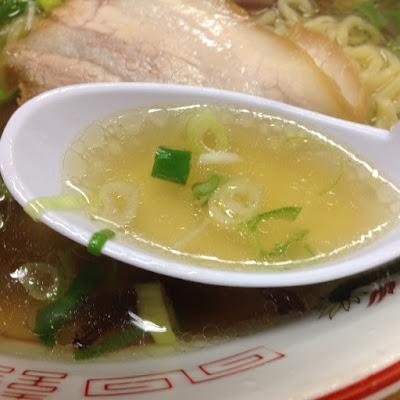 ぎょらん亭沼店の中華そばのスープ