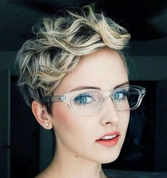 Hair:short hairstyles with different colors for 2018 17