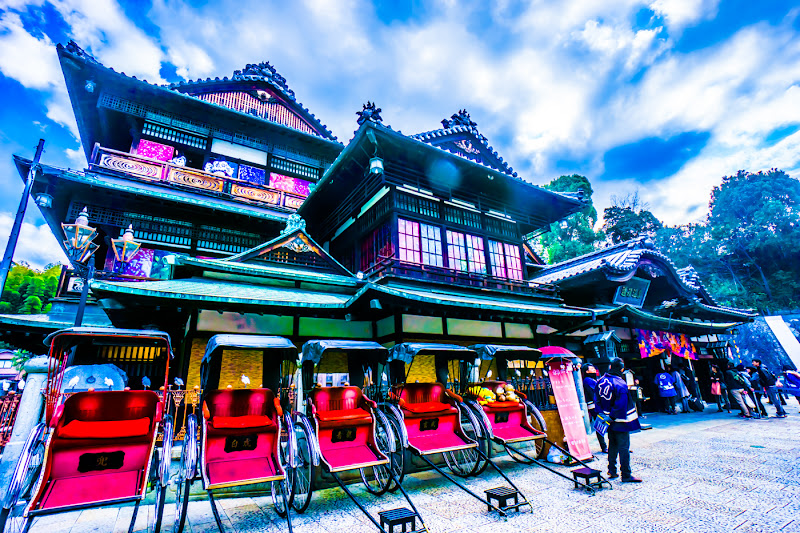 Dogo Hot Spring main building rickshaw1