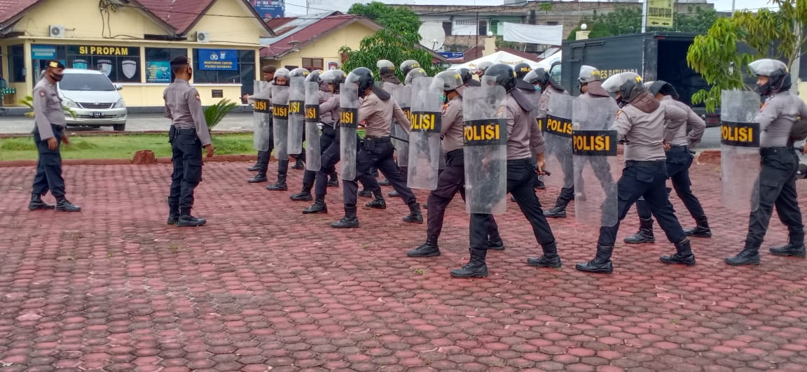 Kabag Ops Polres Batu Bara Pimpin Pelatihan Anggota Dalmas Guna Diberikan Sesuai SOP