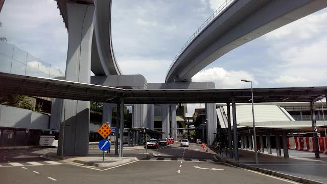 Jalan-jalan Naik MRT