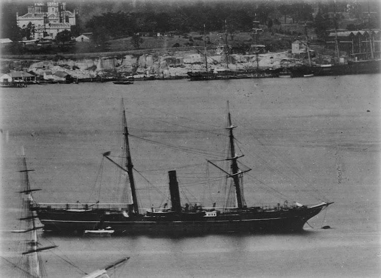 Vapor ELLORA. Ca. 1875. Allan C. Green collection of glass negatives.Foto State Library of Victoria. De la web Trove.jpg