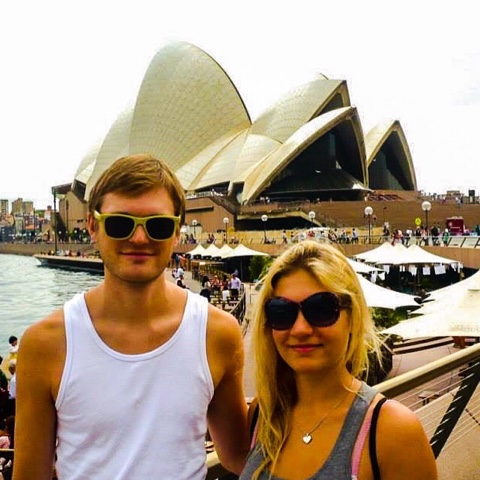 couple sydney opera house