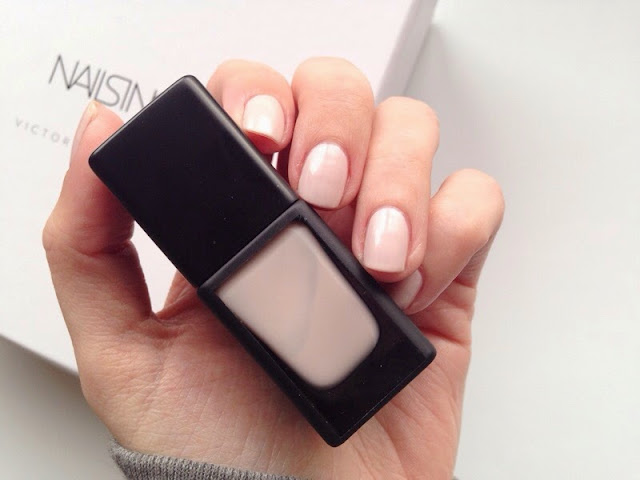 Nails Inc Victoria Beckham Nail Polish in Bamboo White, Nails Inc Victoria Beckham, Bamboo White nail polish, Victoria Beckham nail polish in Bamboo white, Nails Inc Victora Beckham Nail Polish Bamboo White swatch
