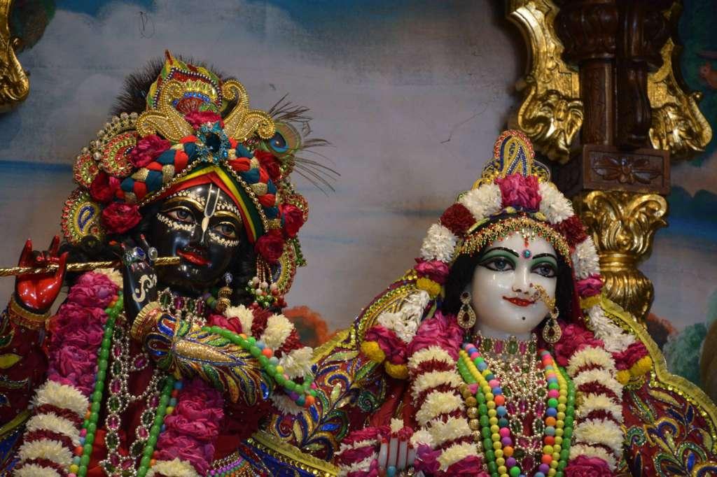ISKCON Ujjain Deity Darshan 22 Dec 2015 (24)