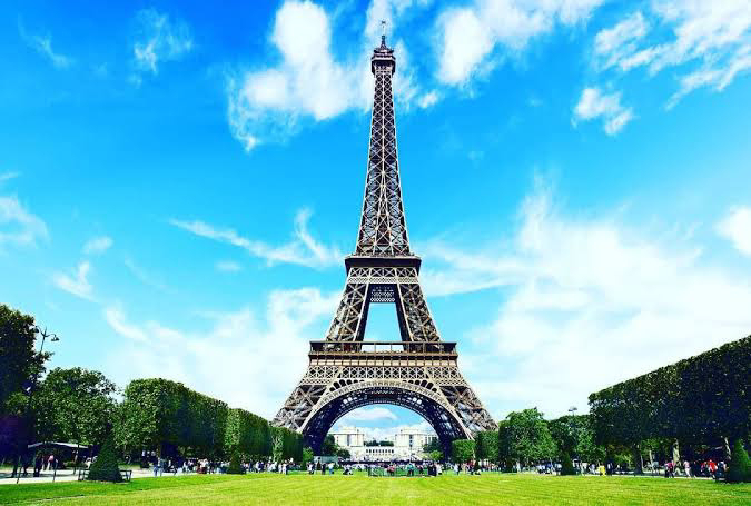 There is a total of 1,710 steps in the Eiffel Tower.