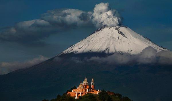 Popocatepetl-entre-os-vulcoes-ativos-mais-perigosos-do-mundo