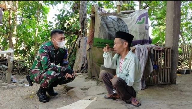 Dandim Loteng Beri Bantuan Ke warga Disabilitas di Desa Bunut Baok