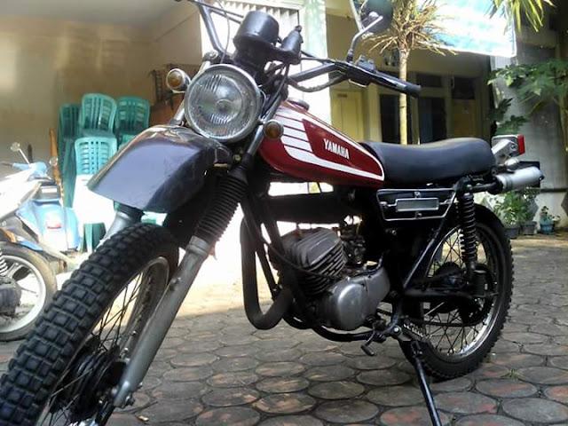 Lapak Trail Jadul DT100 Yamaha 8 Juta Ajah - JEPARA