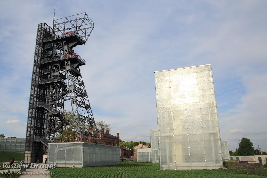 Muzeum Śląskie - świetliki i wieża nadszybia