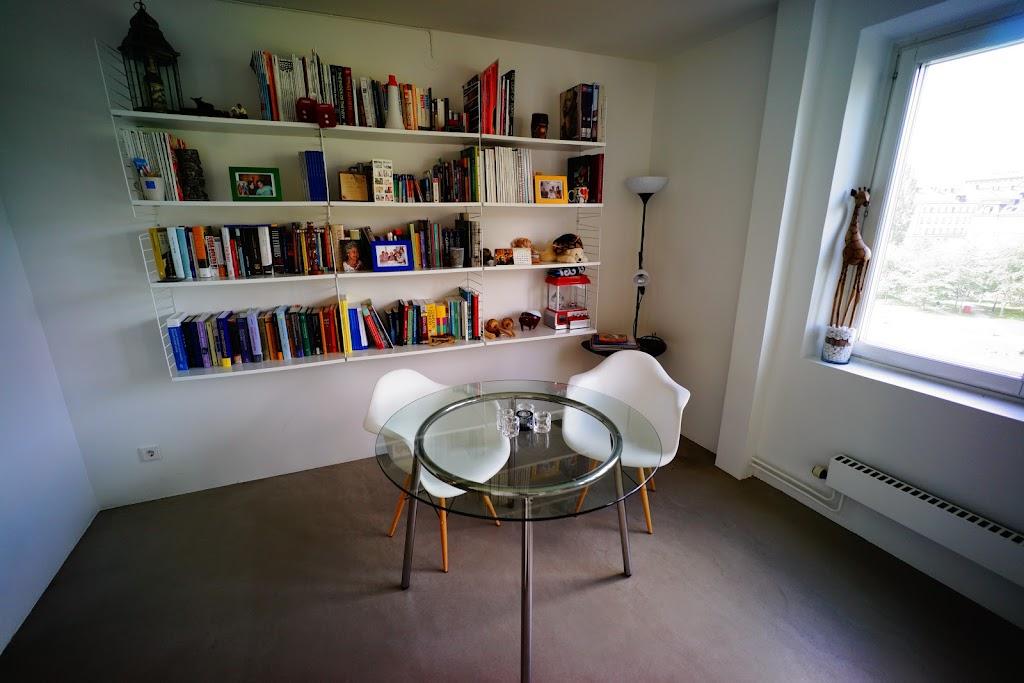 fatbursparken lägenhet minimal betong vitt
