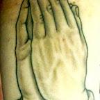 06-bras-prière-mains.jpg