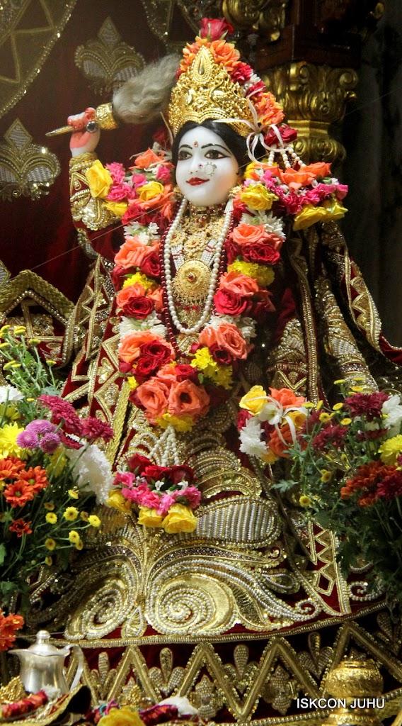 ISKCON Juhu Sringar Deity Darshan on 5th Aug 2016 (13)