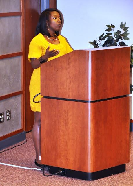 Nov. 2010: Work/Life Balance w/Angela Montgomery - DSC_3919.JPG