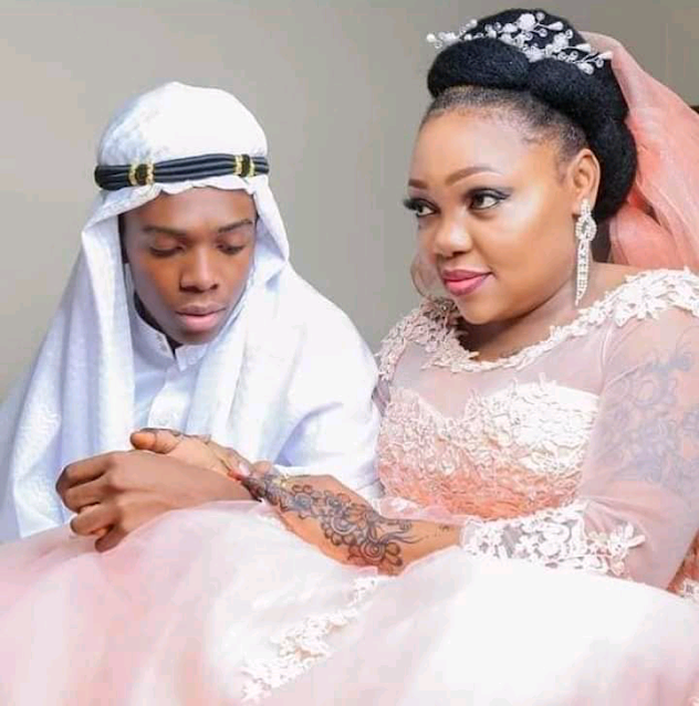 Young man, 19,  marries a woman, 40, photo