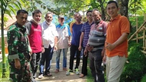 Dua Orang Anggota DPRD Kota Padang Kunjungi Kampung KB Bukik Karan.