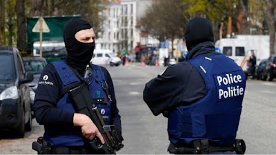 http://www.usatoday.com/story/news/world/2016/08/06/attacker-shouts-allahu-akhbar-wounds-2-police-belgium-machete/88334302/