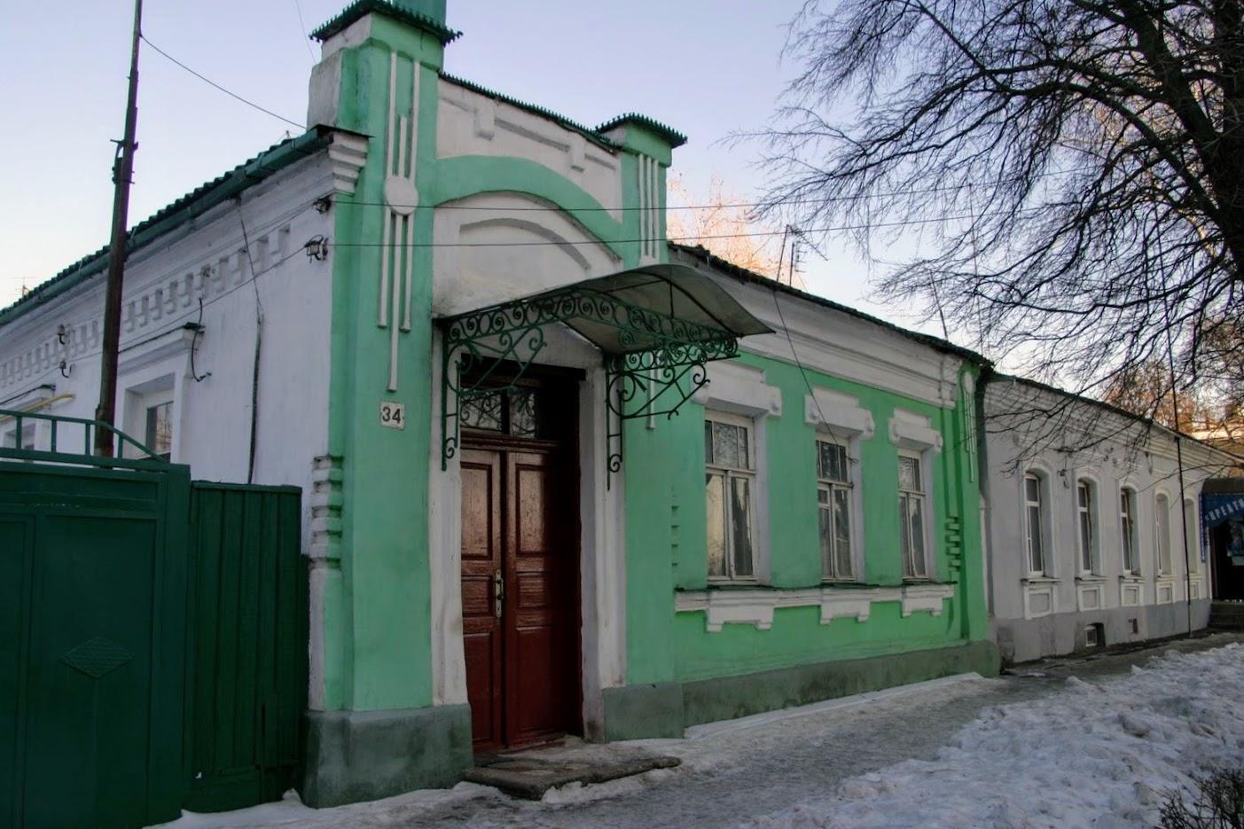 https://sites.google.com/site/istoriceskijtaganrog/cehova-ulica/dom-34