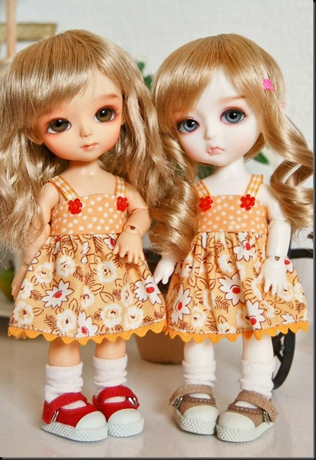 Cute Twins Barbie Doll wallpapers 9