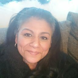 user Esmeralda Balderas apkdeer profile image