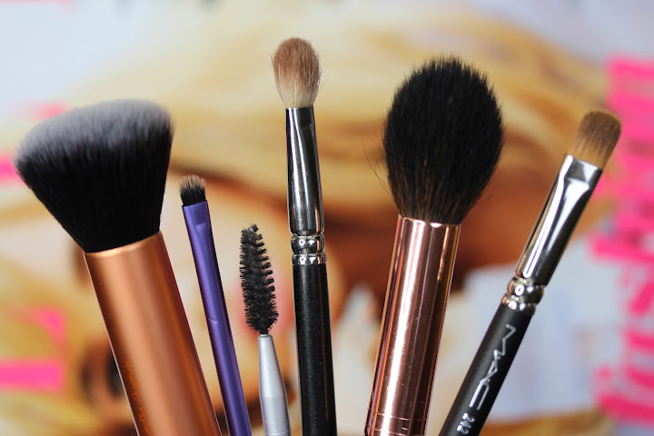 The Beauty Brushes You Need - The Anna Edit