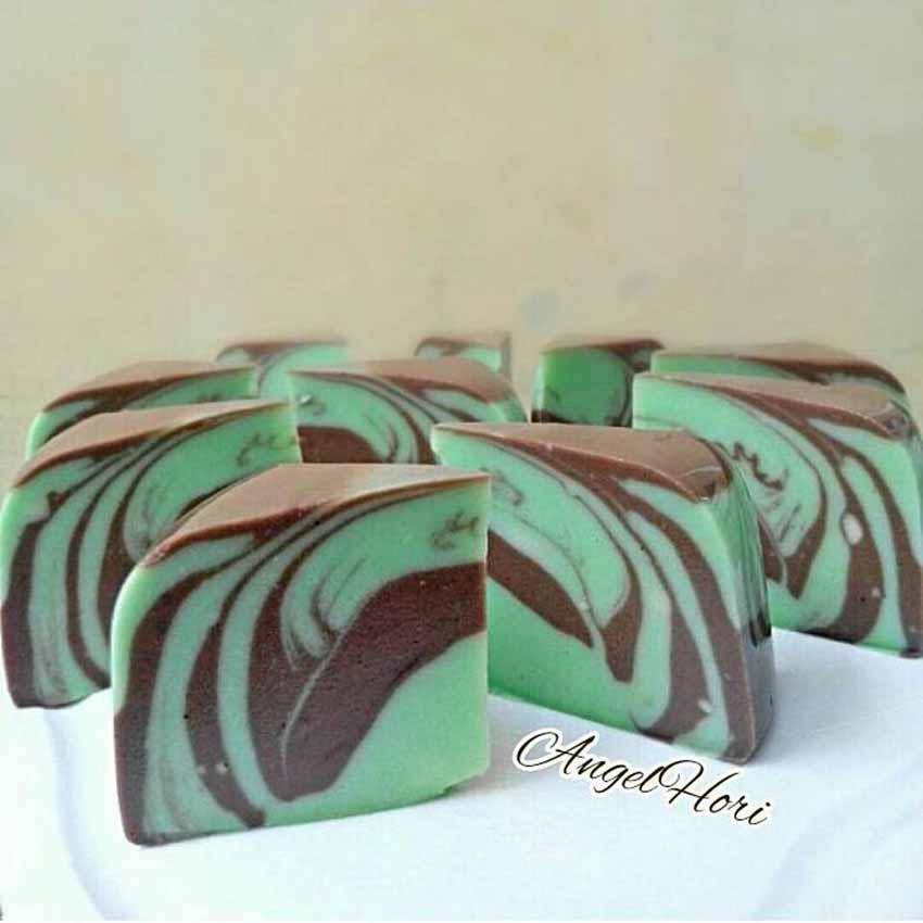 Resep Membuat Puding Roti Tawar Zebra Pandan Coklat Resep Membuat Puding Roti Tawar Zebra Pandan Coklat Padat dan Enak Bangeet by Angelia