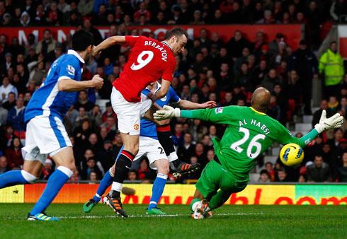 Dimitar Berbatov, Manchester United - Wigan
