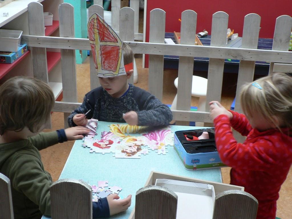 Sinterklaas op bezoek - P1270216.JPG