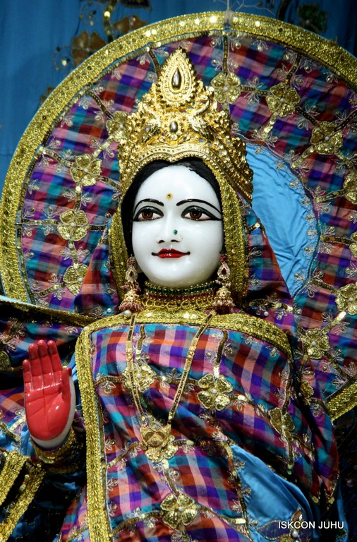 ISKCON Juhu Mangala Deity Darshan 09 April 2016 (37)