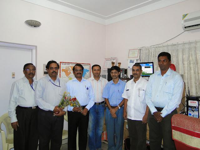 Demonstration of Amateur Radio Satellite communication to Mr Annadurai and Mr Raghavamurthy - DSC01521.JPG