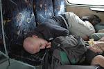 s námi ve vlaku jeli skinheadi?