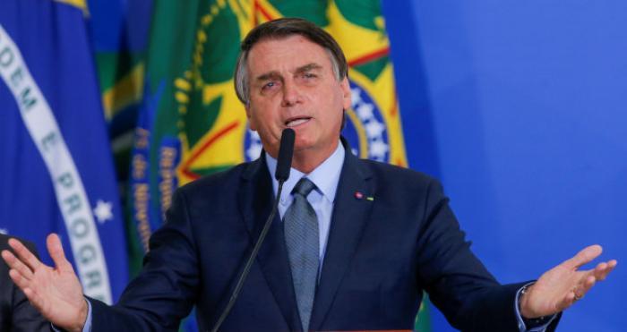 Bolsonaro afirma que 'acabou' com a Lava Jato extinguindo a corrupção