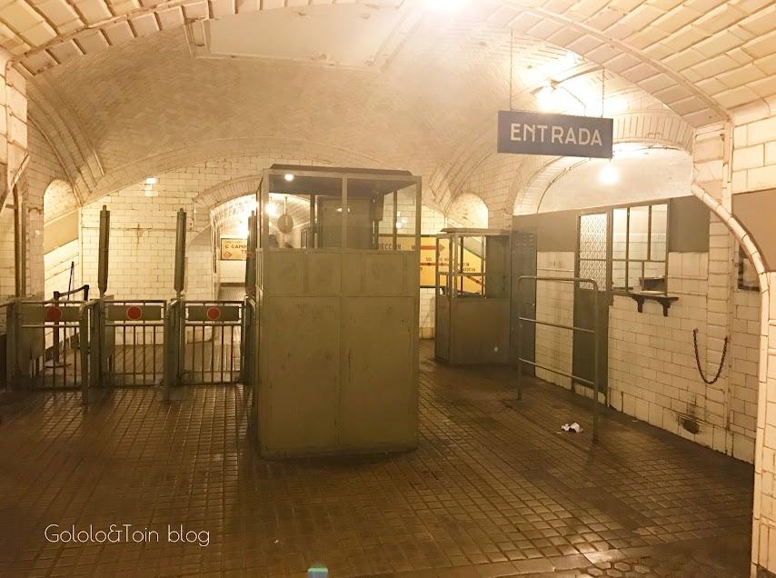 Entrada a la estación fantasma de Chamberí