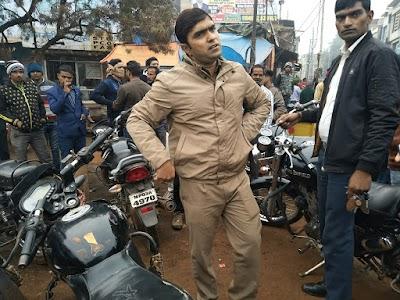 यातायत सफ्ताह का पांचवा दिन : रणवीर सिंह यादव ने काटें बुलट सहित अन्य गाड़ियों के चालान   Shivpuri News