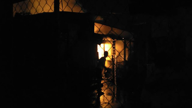 Diduga korsleting listrik, rumah di Rawalumbu terbakar