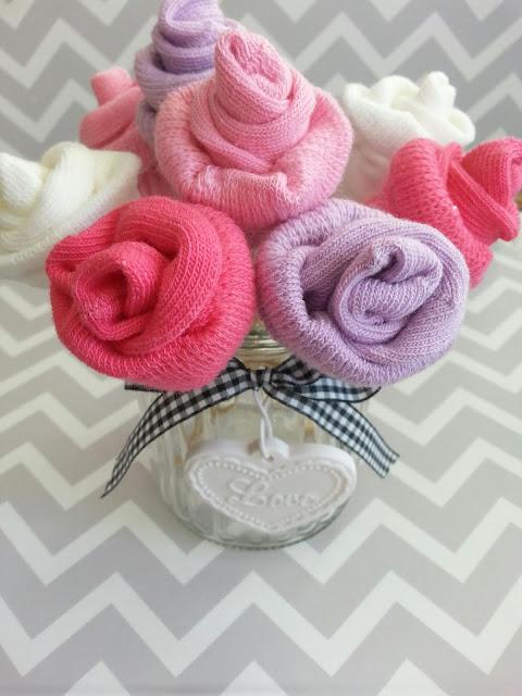 róże ze skarpetek