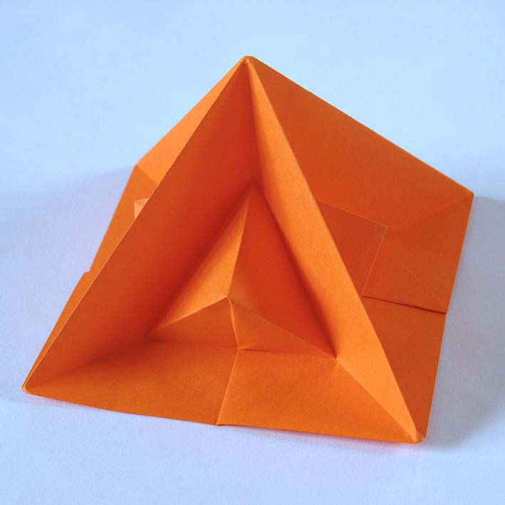 Origami: Piramide seconda - Second pyramid, by Francesco Guarnieri