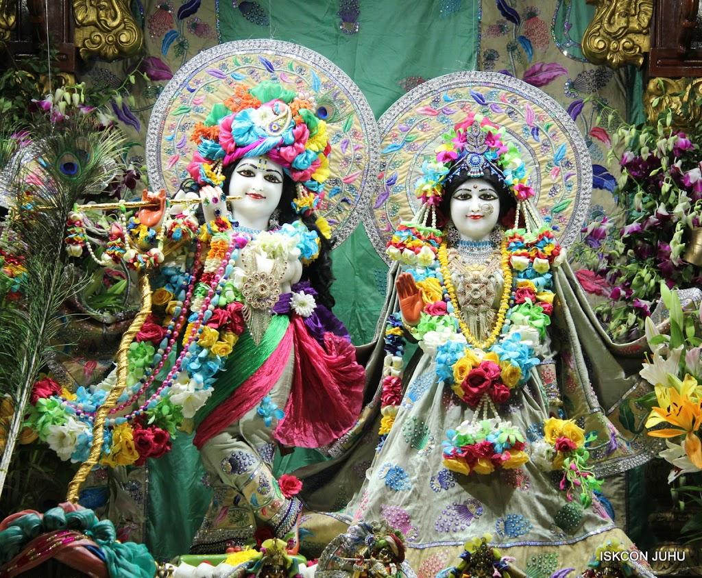 ISKCON Juhu Sringar Deity Darshan on 26th Aug 2016 (34)