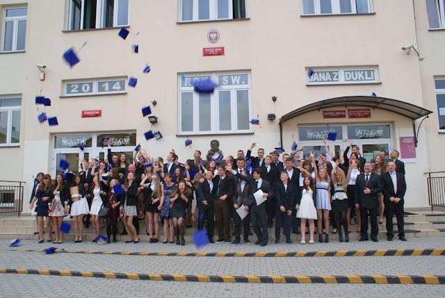 Pożegnanie klas 3 gimnazjum - DSC03186_1.JPG