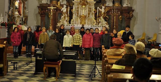 11.12.2012 Galakoncert v rámci 10. ročníku festivalu dětských pěveckých sborů - m_DSC_0576.JPG