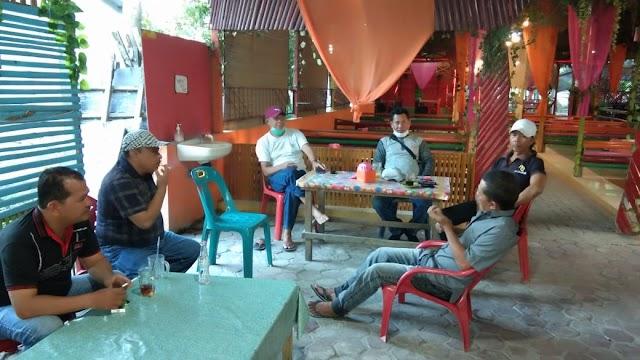 Keluarga Besar Kelompok Tani Ikhlas Mandiri Pererat Silahtuharmi Dengan Buka Puasa Bersama.