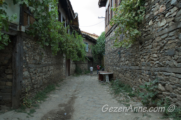 Cumalıkızık köy sokakları