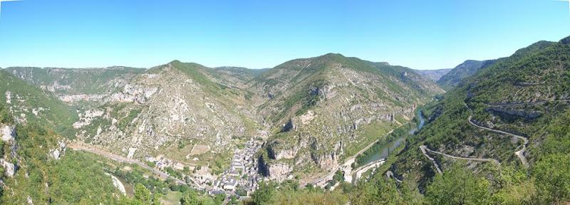 Il villaggio di la Maléne, nelle Gorges du Tarn