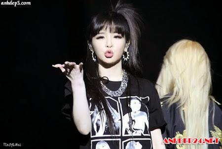 Những nụ hôn gió của sao Kpop khiến FAN ngây ngất