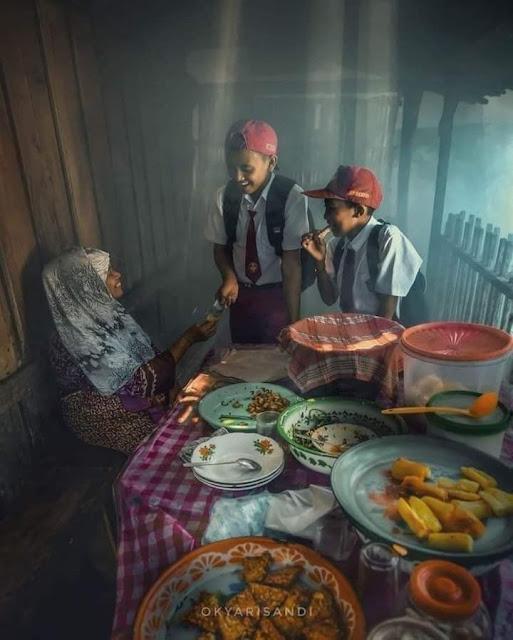 Kehidupan Di Kampung Indah Tanpa Gadget Pemandangan Desa Indonesia Makan Gorengan