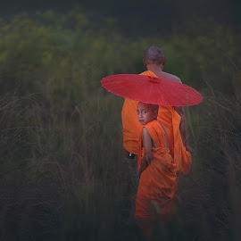 the journey of the monk by Irawan Genjez - People Portraits of Men ( instahub, instagram, instadaily, instanusantara, instabest, instagramhub, instamood, bromo, instanaturelover, instagood )